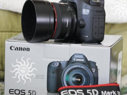 Canon EOS 5D Mark III з об'єктивом EF 24-105mm IS