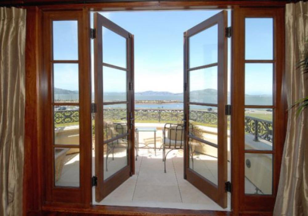 Классический дизайн дверей. французские балконные, межкомнат.