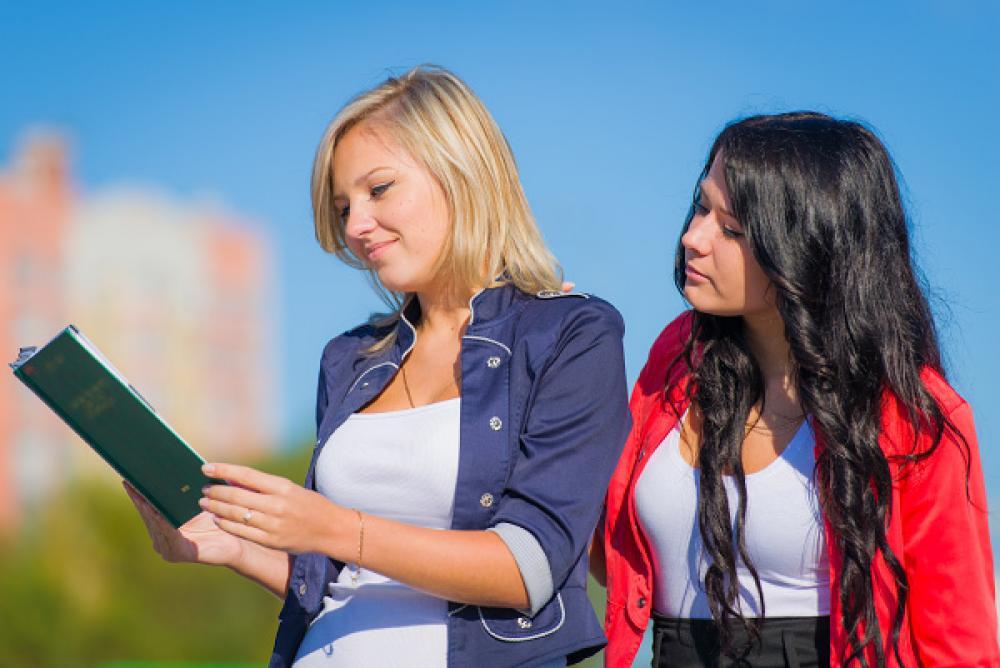 Снять девочку студентку проститутки закамска тюмень